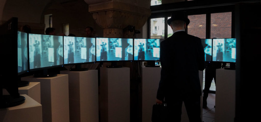 Circles, interactive installation for 13 monitors and a curious person, by André Werner. Berlin, 25-27 May 2017. Part of the exhibition Zeig Dich! at the Zwingli church.